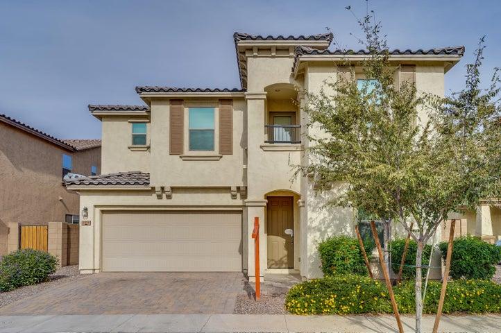 2978 E SHANNON Street, Gilbert, AZ 85295