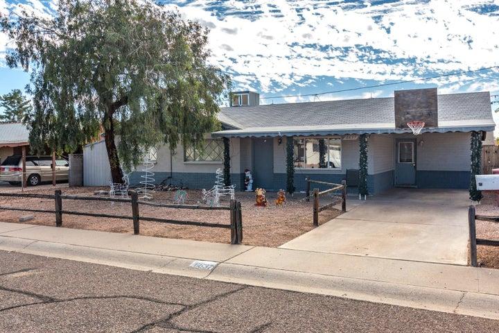 6637 E BELLEVIEW Street, Scottsdale, AZ 85257