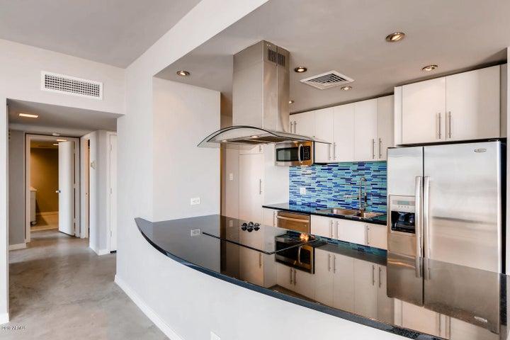 207 W CLARENDON Avenue, C19, Phoenix, AZ 85013