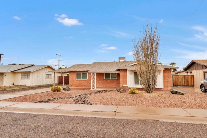 8608 E HIGHLAND Avenue, Scottsdale, AZ 85251