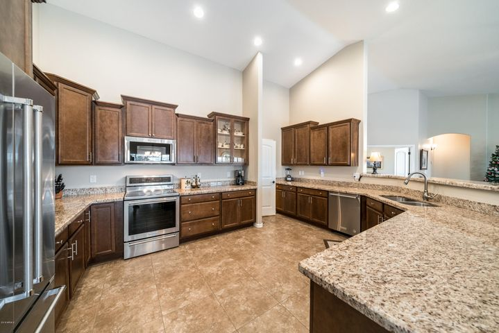 1631 N 103RD Street, Mesa, AZ 85207