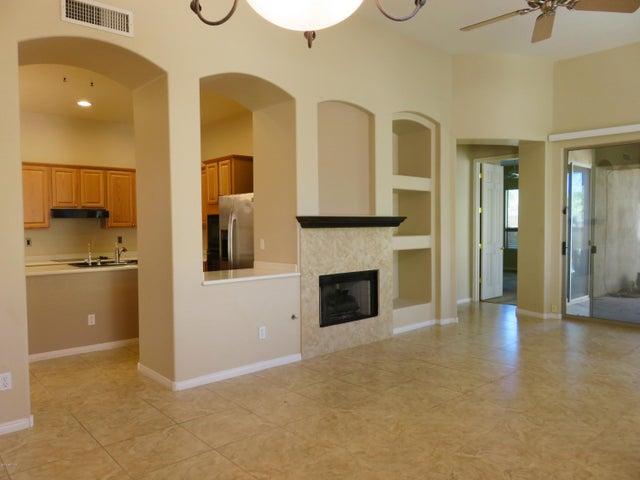 15240 N CLUBGATE Drive, 143, Scottsdale, AZ 85254