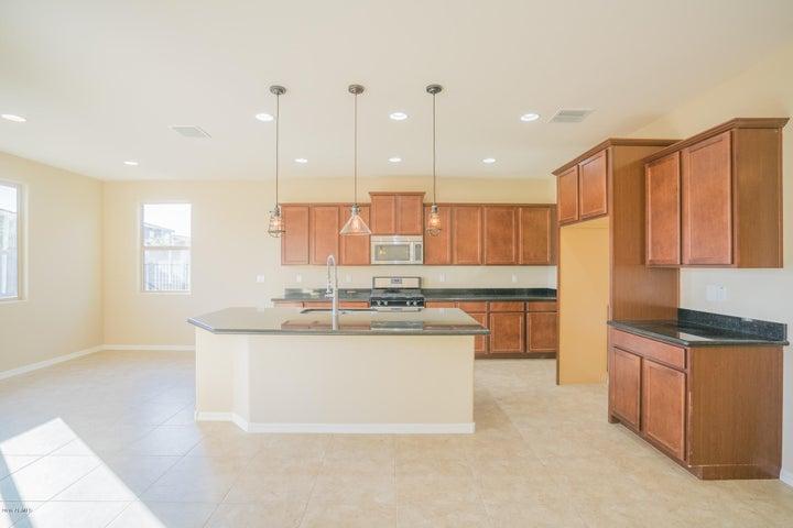 18325 W TURQUOISE Avenue, Waddell, AZ 85355