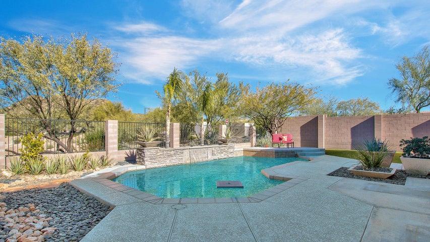 2404 W Woburn Lane, Phoenix, AZ 85085