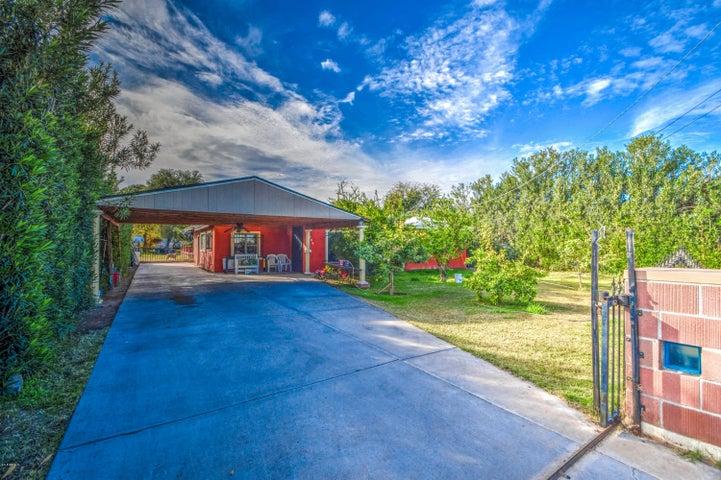 833 E ROESER Road, Phoenix, AZ 85040