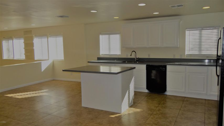 3439 E WINDSOR Avenue, Phoenix, AZ 85008