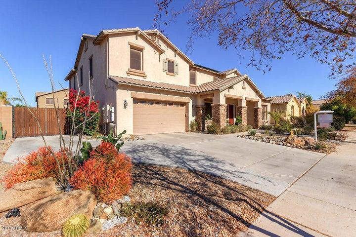 2820 E FLOWER Street, Gilbert, AZ 85298