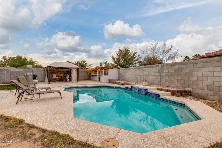 691 S PORTER Street, Gilbert, AZ 85296