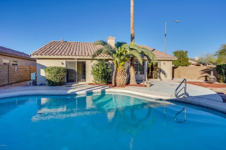 10747 W SANDS Drive, Sun City, AZ 85373