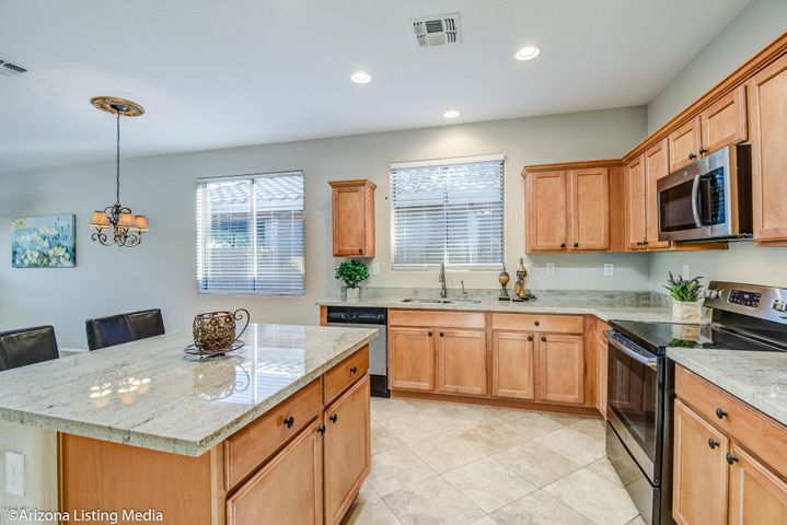 40027 N CROSS TIMBERS Court, Anthem, AZ 85086
