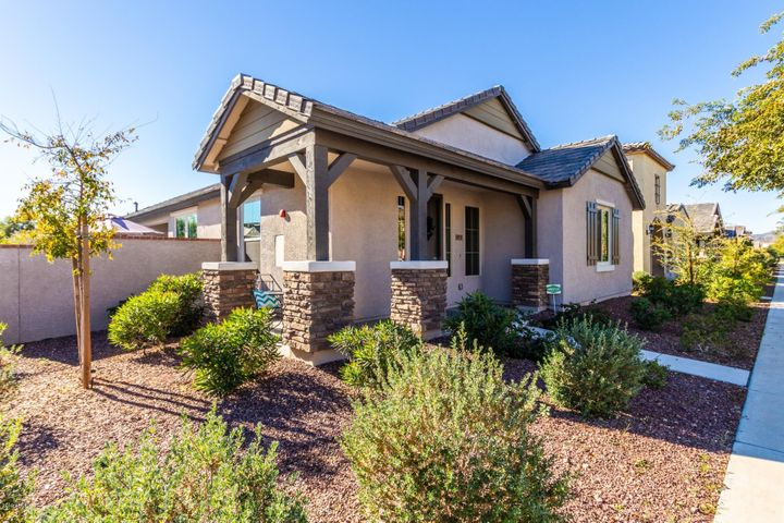 20719 W LEGEND Trail, Buckeye, AZ 85396