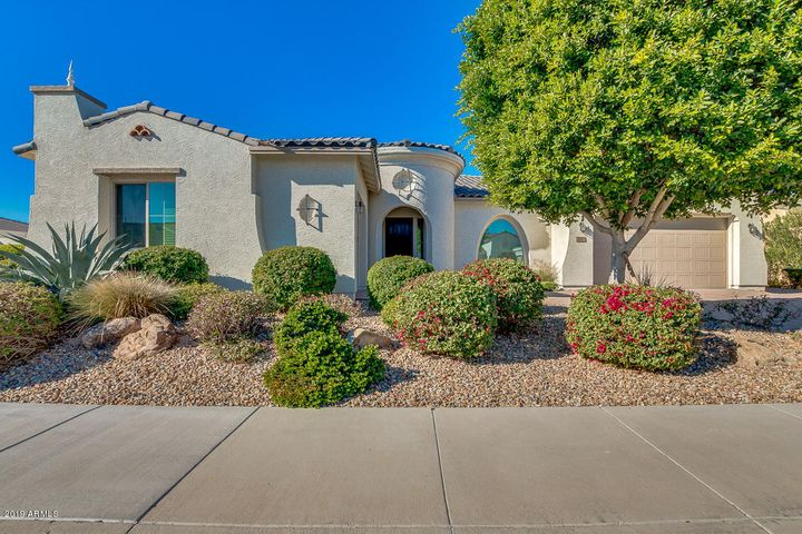 Gorgeous curb appeal for this former model home