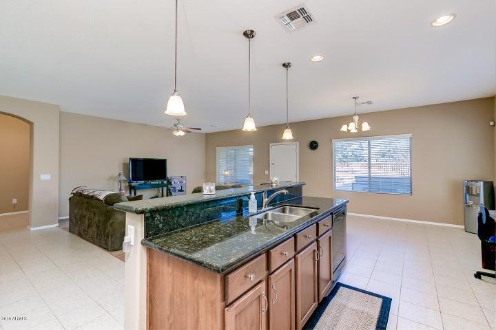12210 W LOCUST Lane, Avondale, AZ 85323