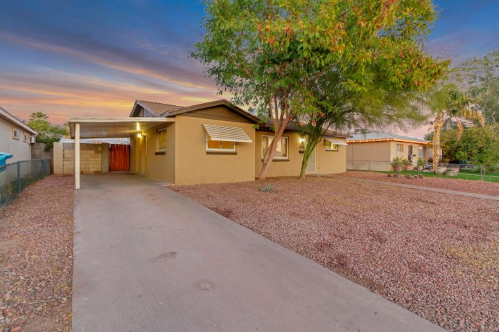 3018 W LAWRENCE Lane, Phoenix, AZ 85051