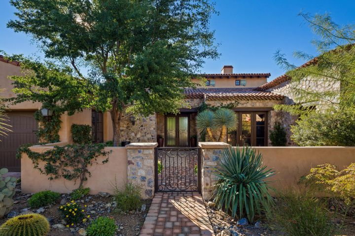 Spectacular Single Level Home within walking distance to the Silverleaf Club.