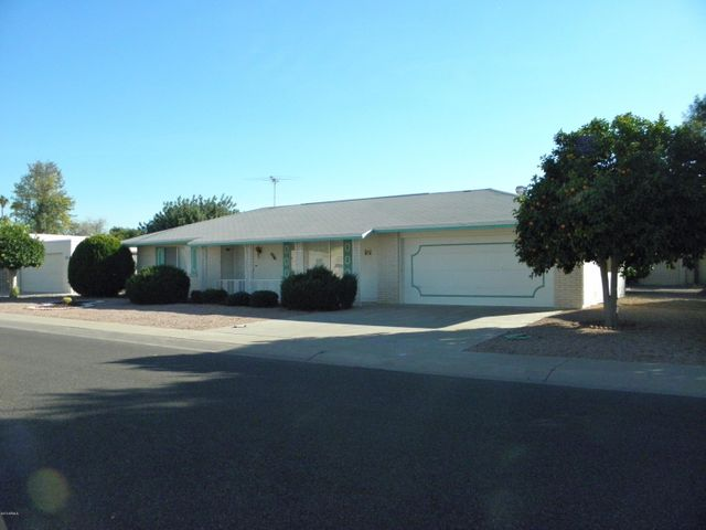 10741 W BROOKSIDE Drive, Sun City, AZ 85351