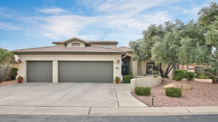 Great curb appeal and privacy - no neighbors directly behind you!