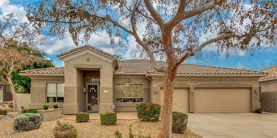 1555 E STIRRUP Court, Gilbert, AZ 85296