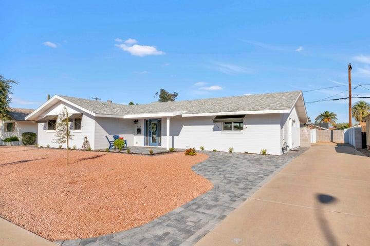 8226 E HAZELWOOD Street, Scottsdale, AZ 85251