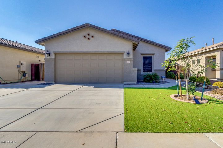 41188 N SOAP BERRY Street, San Tan Valley, AZ 85140