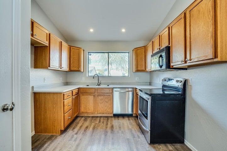 2833 W HIDALGO Street, Apache Junction, AZ 85120