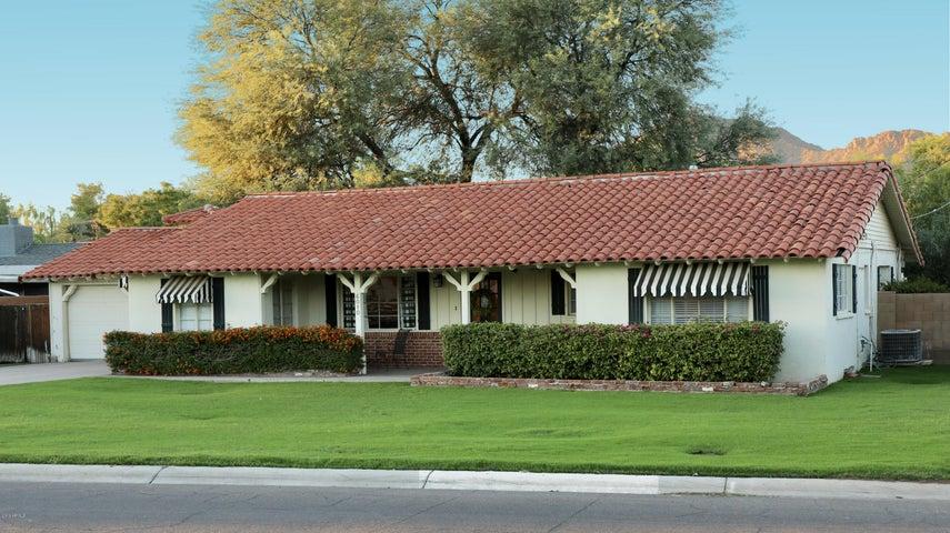 6010 E HOLLYHOCK Street, Phoenix, AZ 85018