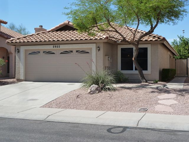 Ahwatukee. 3 Bedrooms, 2 Baths, Community Pools, Parks & Tennis!
