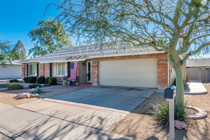 Immaculate Remodel in a Family Neighborhood