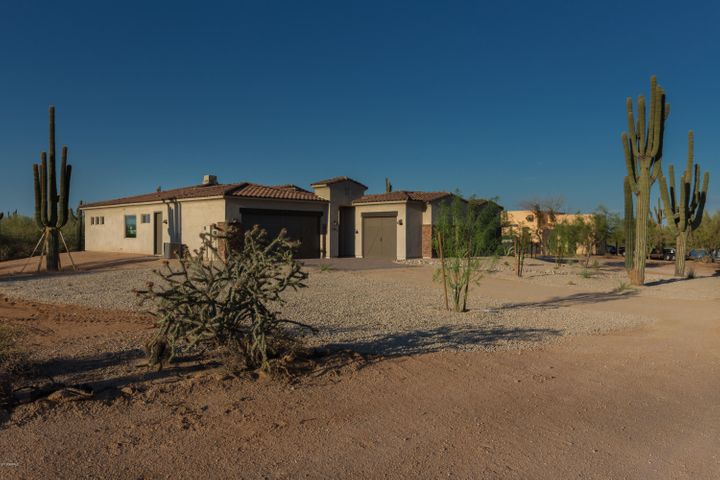 34699 N Los Reales Drive, Cave Creek, AZ 85331