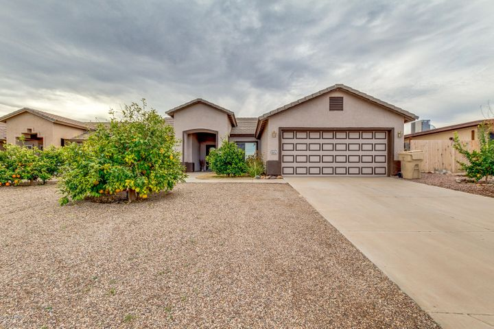 8647 W MAGNUM Drive, Arizona City, AZ 85123