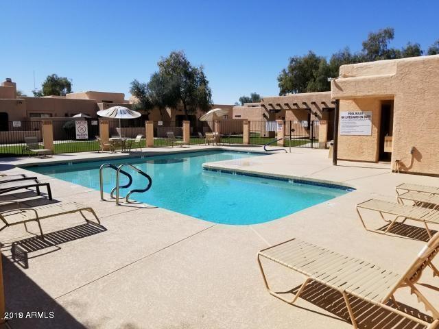 8940 W OLIVE Avenue, 106, Peoria, AZ 85345