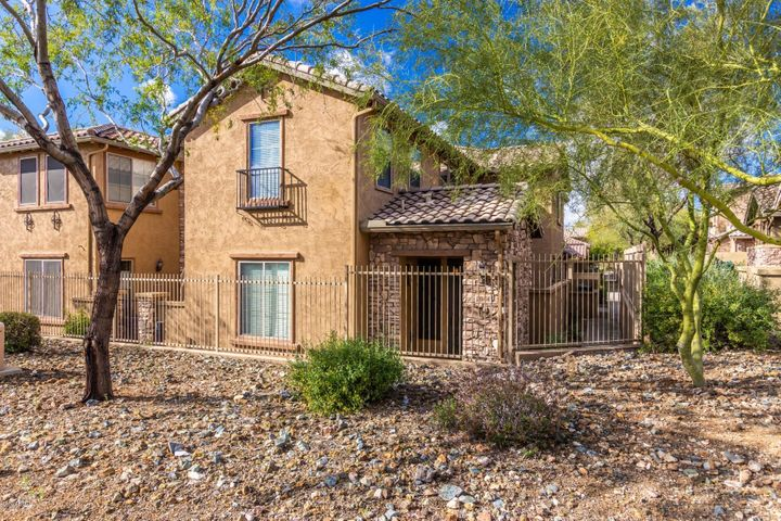 2044 W MARK Lane, Phoenix, AZ 85085