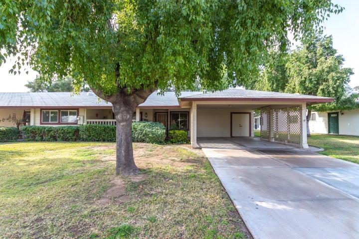 4919 E Lake Point Circle, Phoenix, AZ 85044