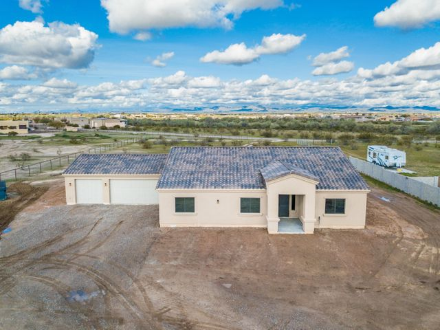 20744 W Saguaro Vista Drive, Wittmann, AZ 85361