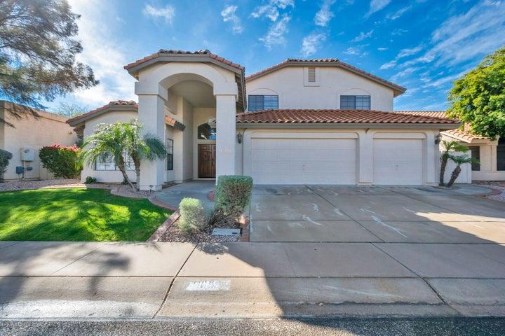 1055 W Lakeridge Drive, Gilbert, AZ 85233