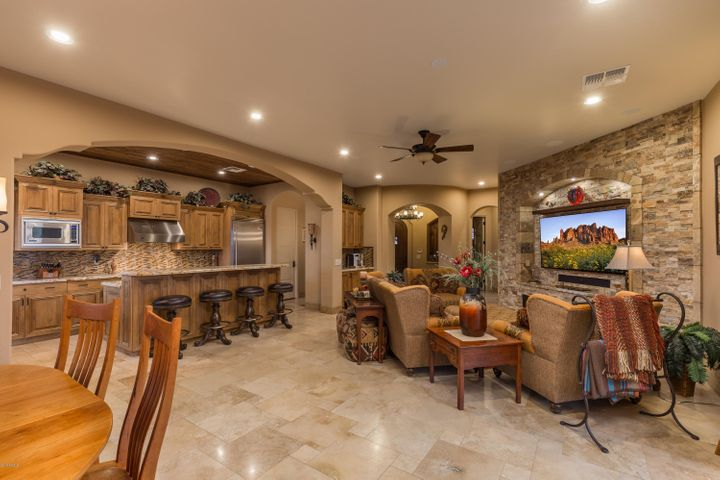 3268 S GOLDEN BARREL Court, Gold Canyon, AZ 85118