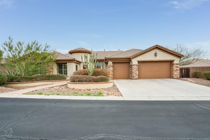 40821 N RIVER BEND Road, Phoenix, AZ 85086