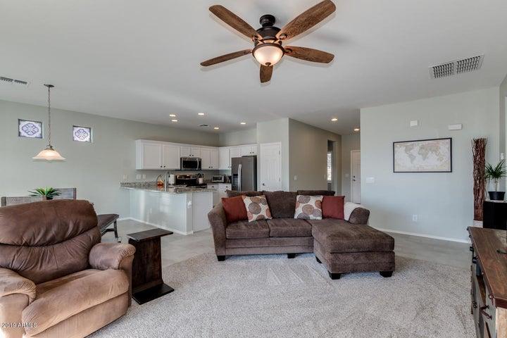 42433 W CANDYLAND Place, Maricopa, AZ 85138