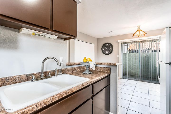 4820 N 89TH Avenue, 104, Phoenix, AZ 85037
