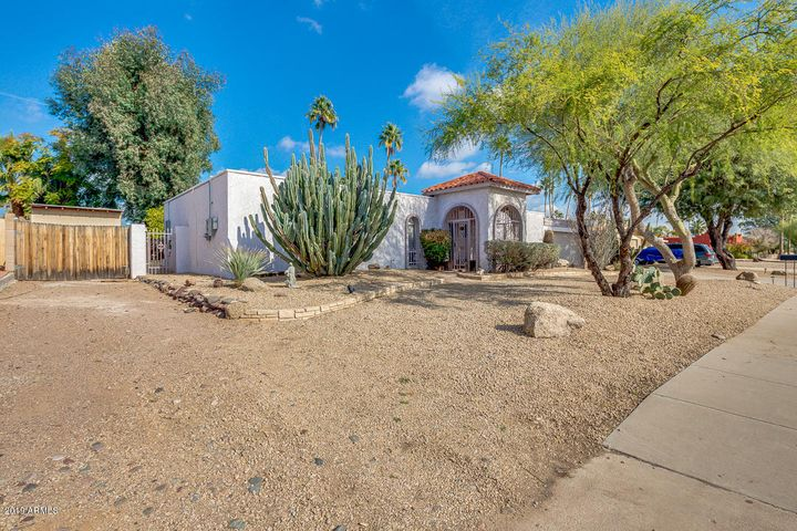 6530 E SWEETWATER Avenue, Scottsdale, AZ 85254