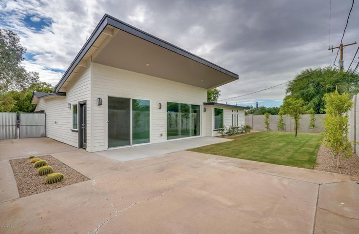 3214 E CLARENDON Avenue, Phoenix, AZ 85018