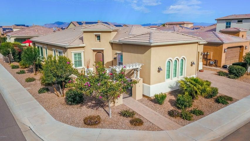 1502 E COPPER Hollow, San Tan Valley, AZ 85140