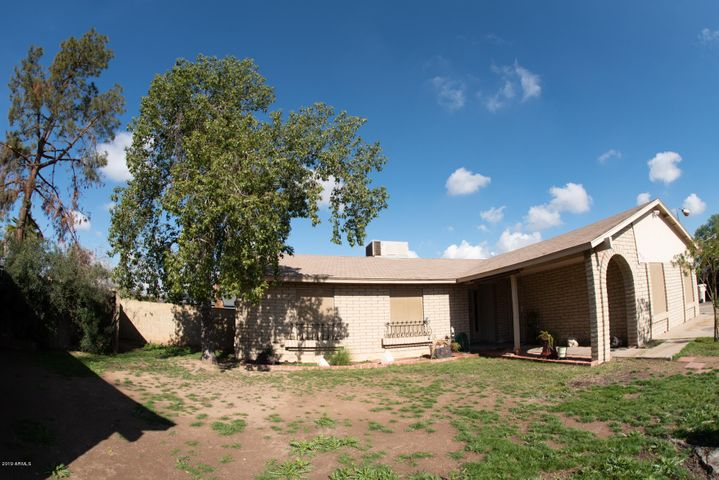 9030 N 64th Avenue, Glendale, AZ 85302