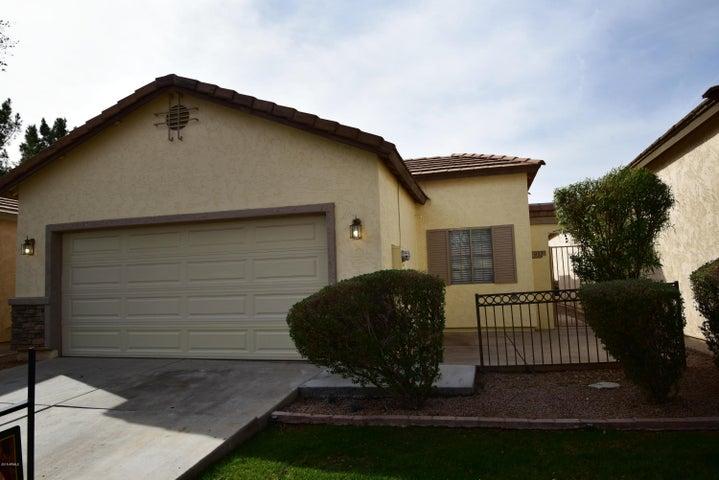 932 S TUCANA Lane, Gilbert, AZ 85296