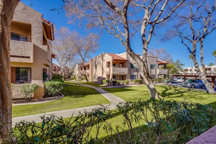 145 N 74TH Street, 138, Mesa, AZ 85207