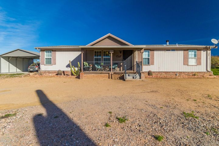 45313 N 20TH Street, New River, AZ 85087
