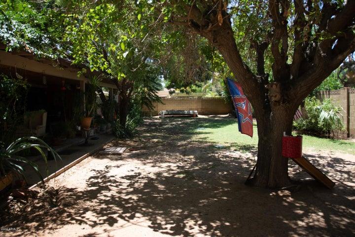 5026 E EARLL Drive, Phoenix, AZ 85018