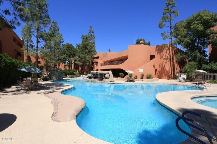 12212 N PARADISE VILLAGE Parkway S, 302, Phoenix, AZ 85032