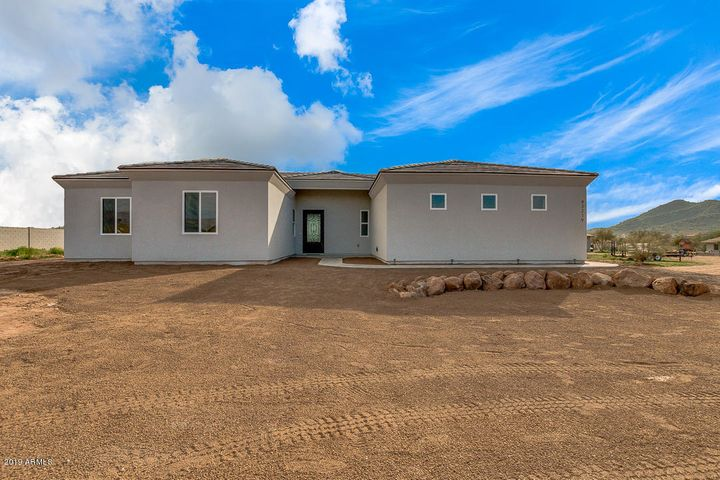 43219 N 7th Avenue, New River, AZ 85087