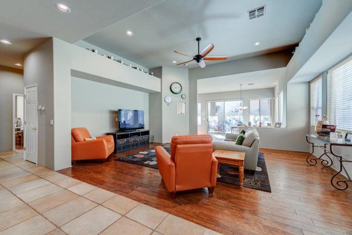 1243 E EUGIE Avenue, Phoenix, AZ 85022